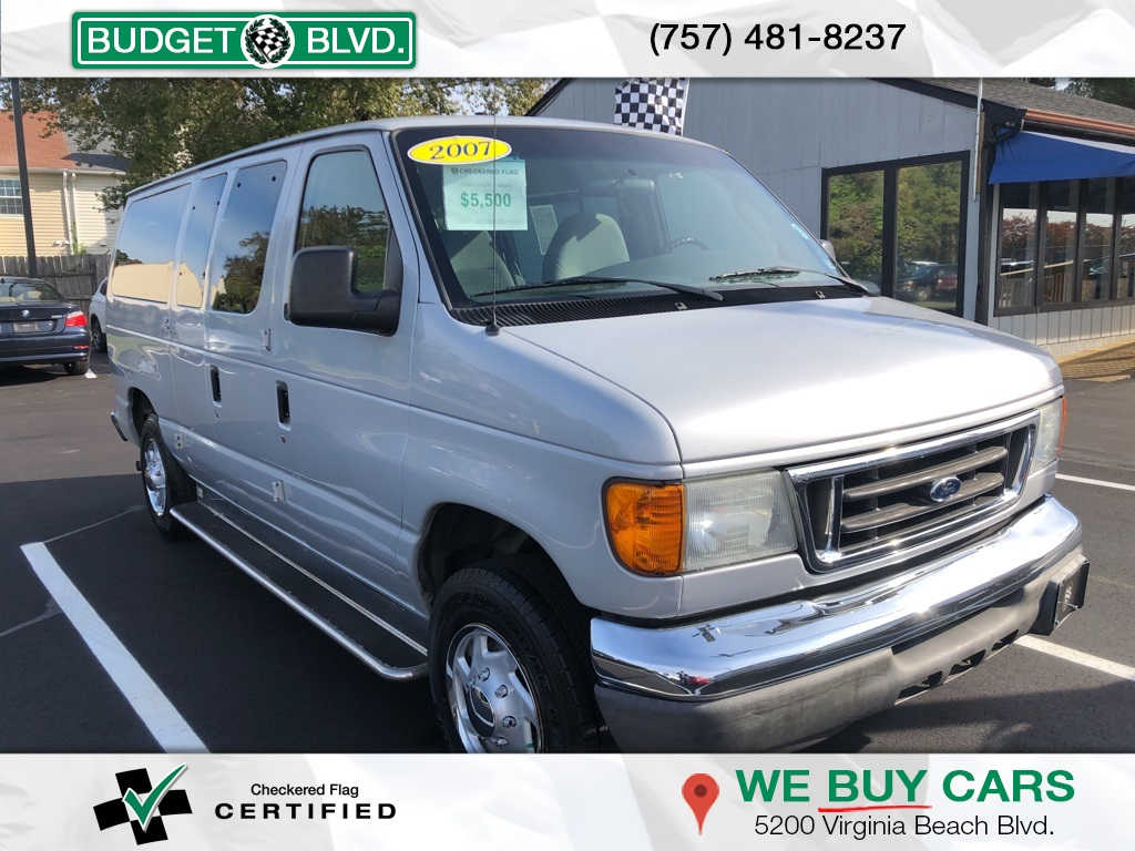 Pre-Owned 2007 Ford E-150 Chateau